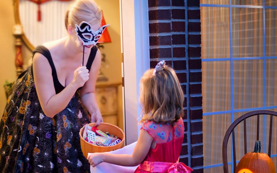 How To Throw a Masquerade Halloween Party